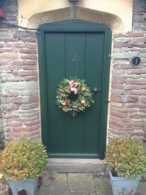 153_Green Door wreath