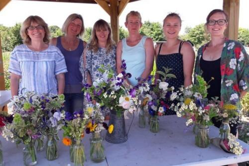 Floristry skills using British cut flowers