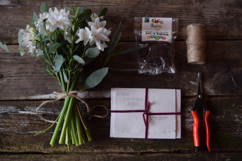 Luxury Pretty Posies hamper an ethical certified organic gift from Organic Blooms